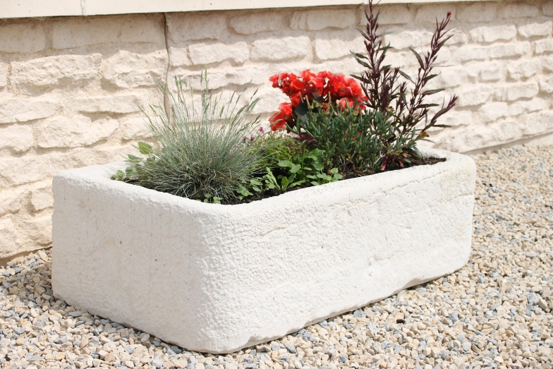 jardiniere en pierre reconstitu e jardiniere pierre reconstitu e sur enperdresonlapin. Black Bedroom Furniture Sets. Home Design Ideas