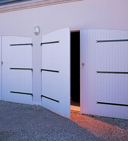 portes de garage battantes tous les fournisseurs porte garage classique porte garage la. Black Bedroom Furniture Sets. Home Design Ideas