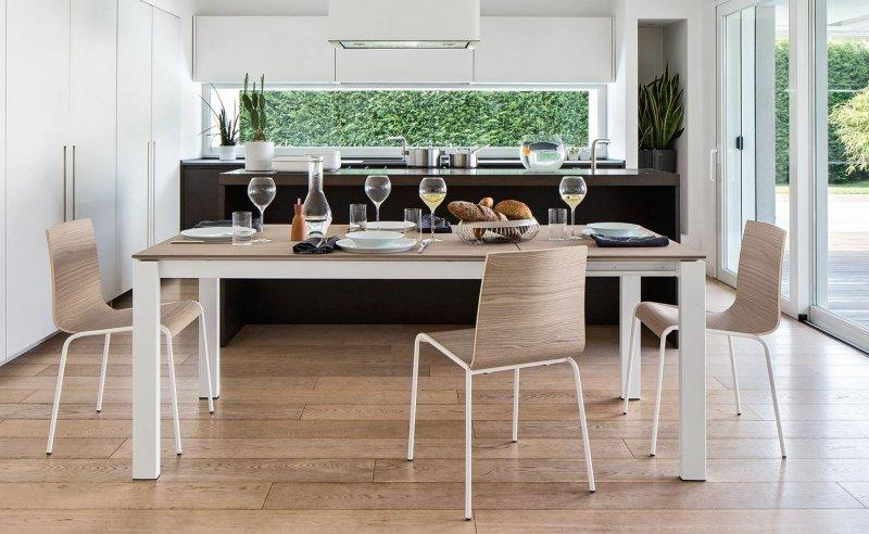 Beautiful table a manger blanche et bois gallery for Table extensible calligaris