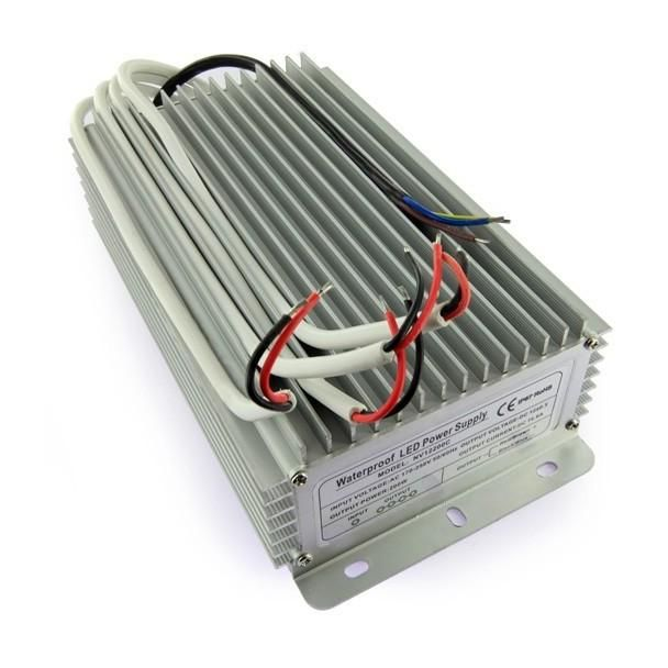 TRANSFORMATEUR 12 VOLTS - 200 WATTS IP67 QUATRE SORTIES DE 50 WATTS - TRANSFORMATEUR LED