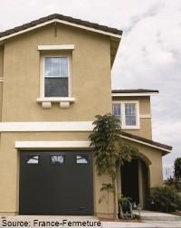 Ich saintes produits portes de garage sectionnelles for Grande porte de garage sectionnelle