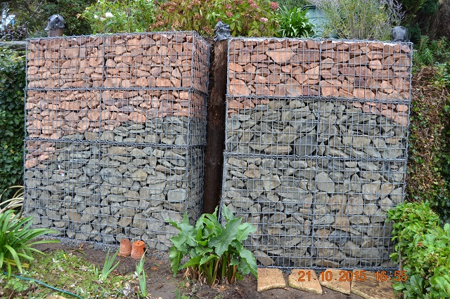 comment fabriquer un gabion gabions appel structures en treillis mtalliques spciaux remplis. Black Bedroom Furniture Sets. Home Design Ideas
