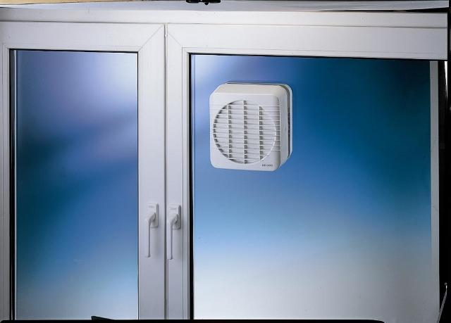 Ventilateurs de fenetre helios for Chambre sans fenetre aeration