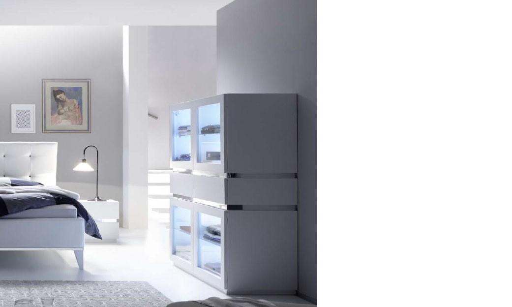 Commode design blanche et chrome chambre adulte arla