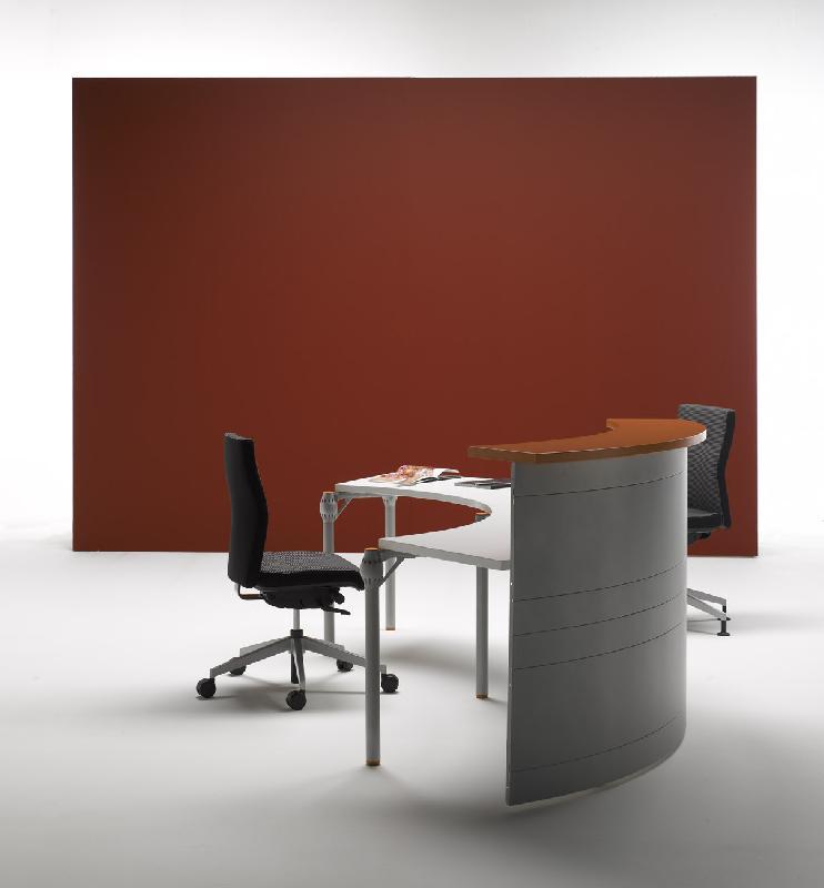 Banque d 39 accueil incurvee avec facade bois decor for Mobilier bureau yves ollivier