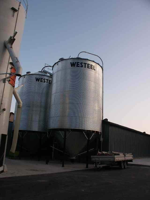 Silo a fond conique westeel for Stockage bois de chauffage exterieur