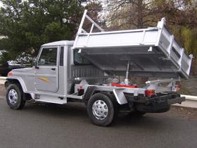 camion sable de construction 44