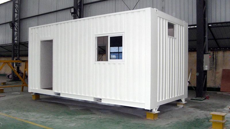 Container maritime bureau pieds