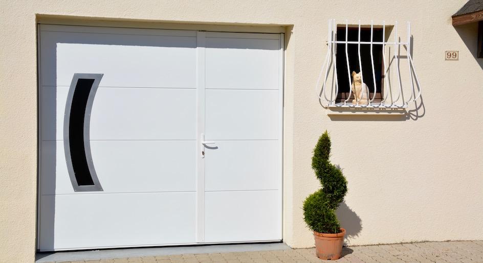 Portes de garage basculantes tous les fournisseurs - Portes de garage coulissantes motorisees ...