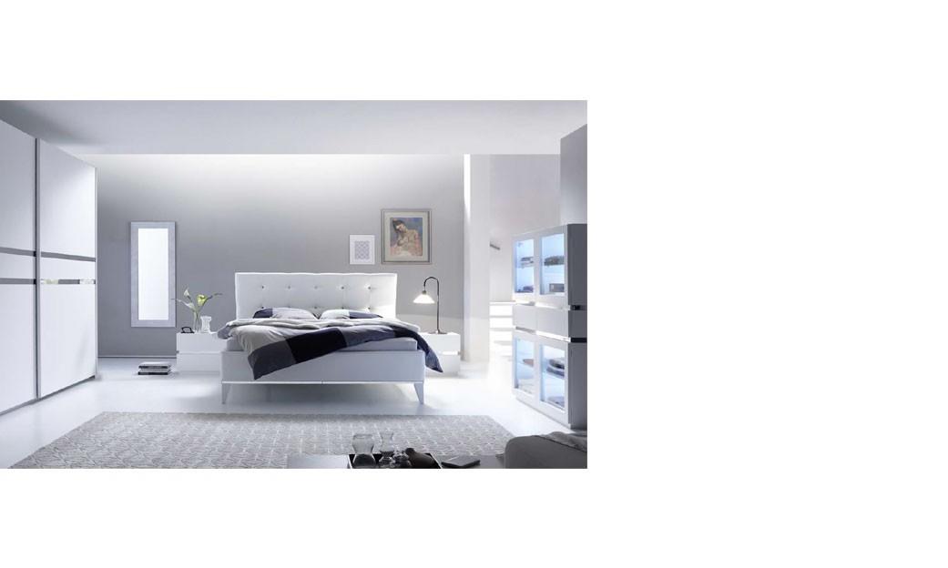 Chambre adulte design laqué blanc et chromé arla