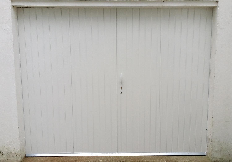 Portes de garage basculantes tous les fournisseurs for Ouvrir une porte de garage basculante