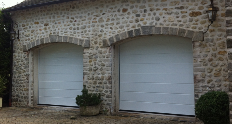 Preciselec produits portes de garage sectionnelles for Montage porte de garage sectionnelle hormann