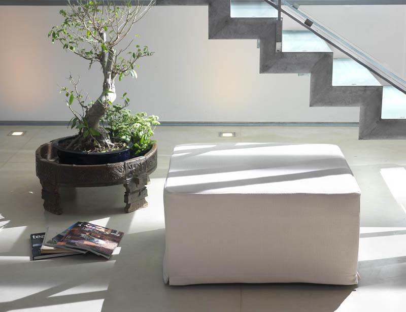pouf billes. Black Bedroom Furniture Sets. Home Design Ideas