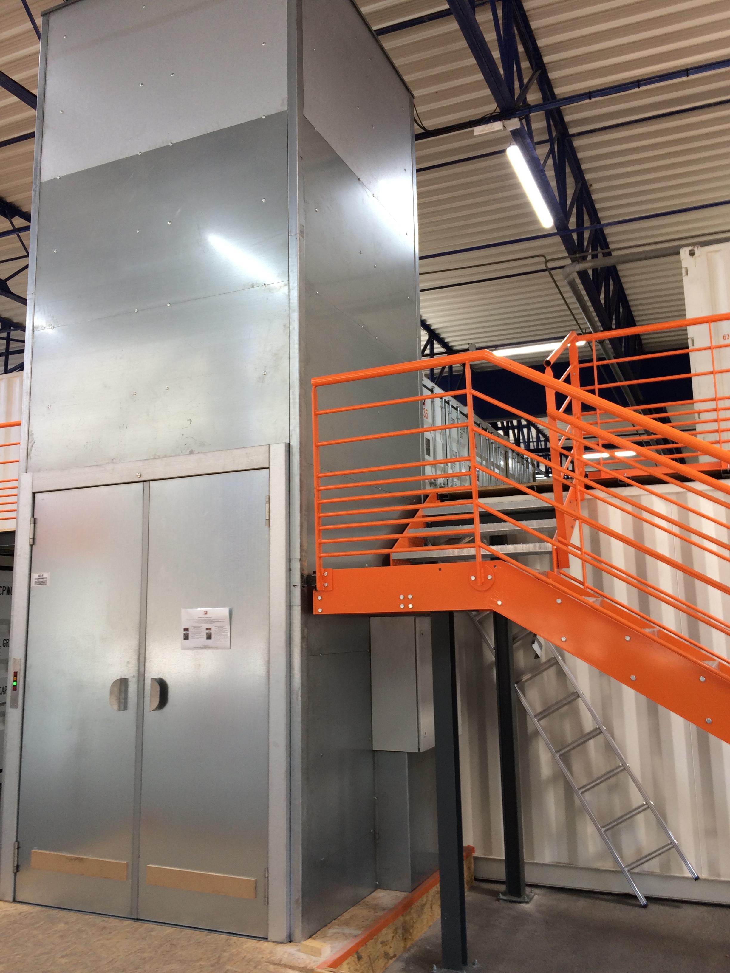 Entrepots modulaires de stockage tous les fournisseurs for Batiment container