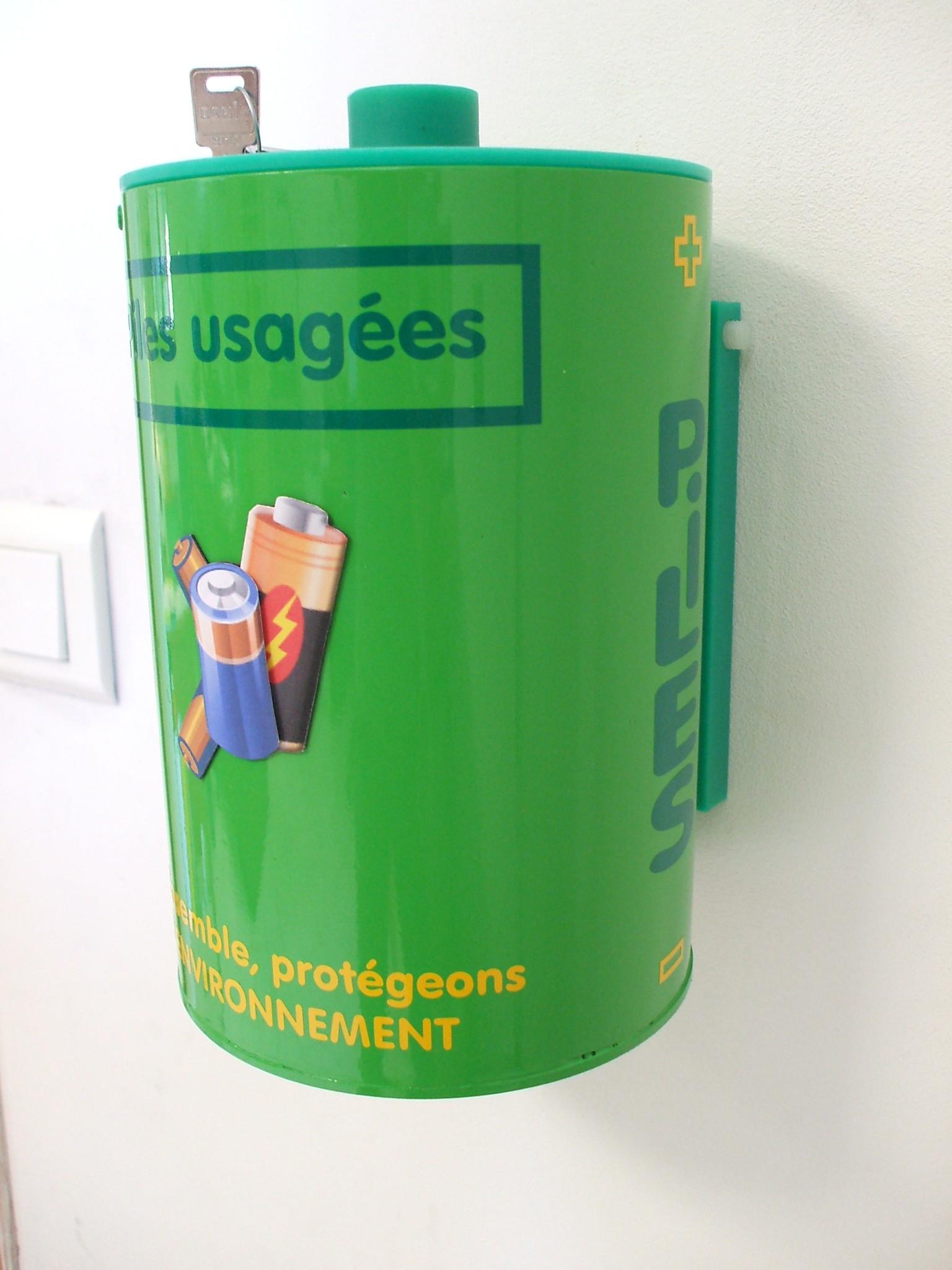 Boite recyclage piles gratuit