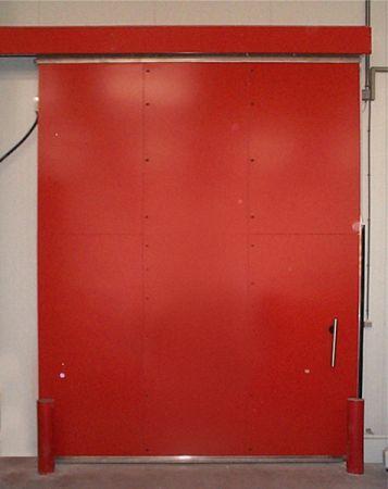 Portes coulissantes industrielles coupe feu pour murs en for Porte hangar coulissante