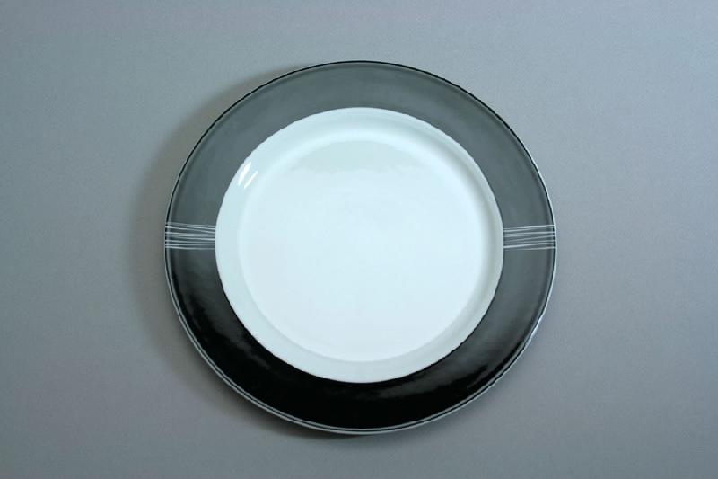 assiette plate forme corpo noire et blanche 21cm black. Black Bedroom Furniture Sets. Home Design Ideas