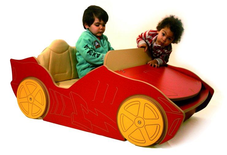 petite voiture de course. Black Bedroom Furniture Sets. Home Design Ideas