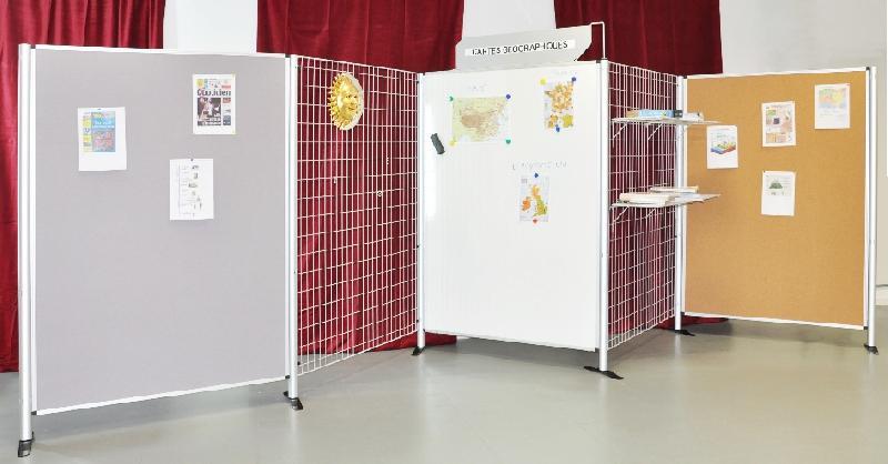 tableau d 39 affichage pour stands comparez les prix pour. Black Bedroom Furniture Sets. Home Design Ideas