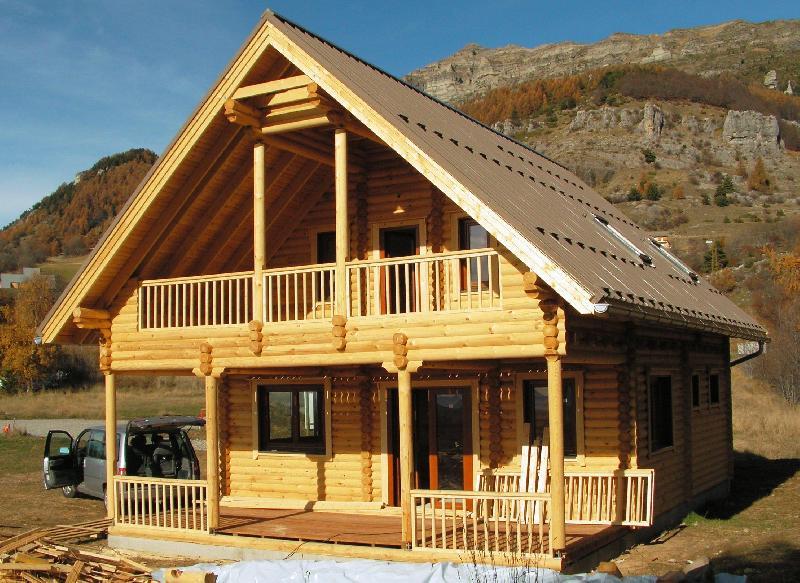 Chalets en bois tous les fournisseurs bungalow bois for Chalet bois moderne