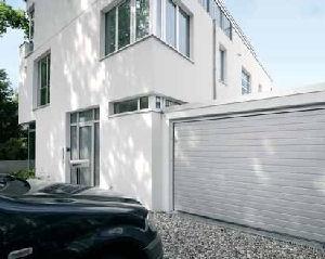 Portes de garage sectionnelles lpu40 a rainures s 2250 de for Porte de garage sectionnelle 3m de large