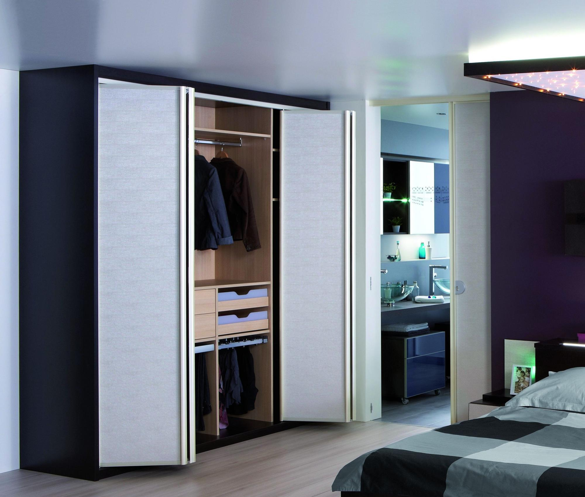 porte pliante encadrement laqu with porte placard pliante hauteur 250. Black Bedroom Furniture Sets. Home Design Ideas