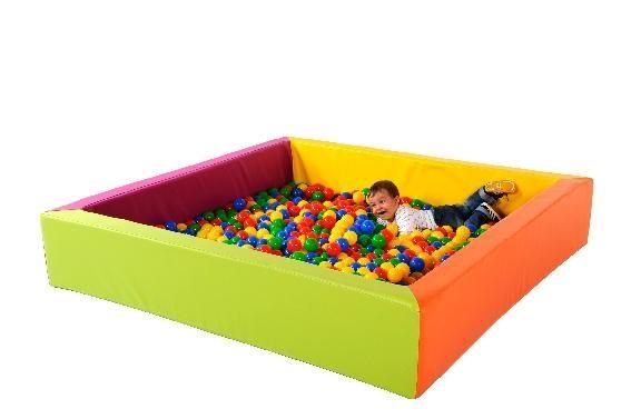 piscine a balle carr e comparer les prix de piscine a balle carr e sur. Black Bedroom Furniture Sets. Home Design Ideas