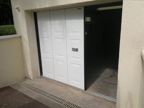 ttsi europe limited produits portes de garage sectionnelles. Black Bedroom Furniture Sets. Home Design Ideas
