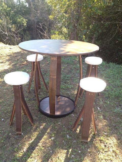 Table de jardin avec 4 tabourets
