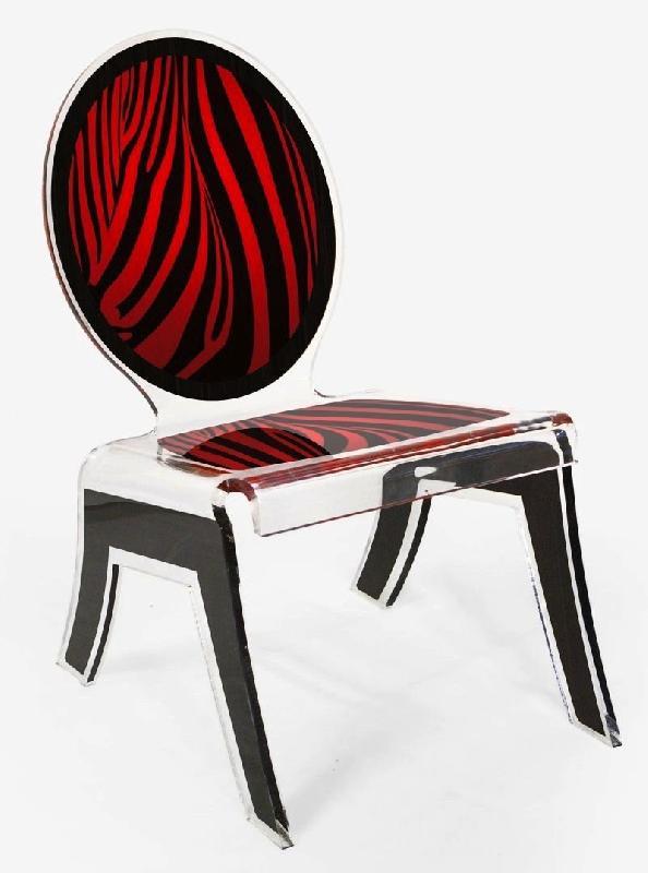 Chaise basse relax zebre rouge plexi acrila design for Chaise basse design
