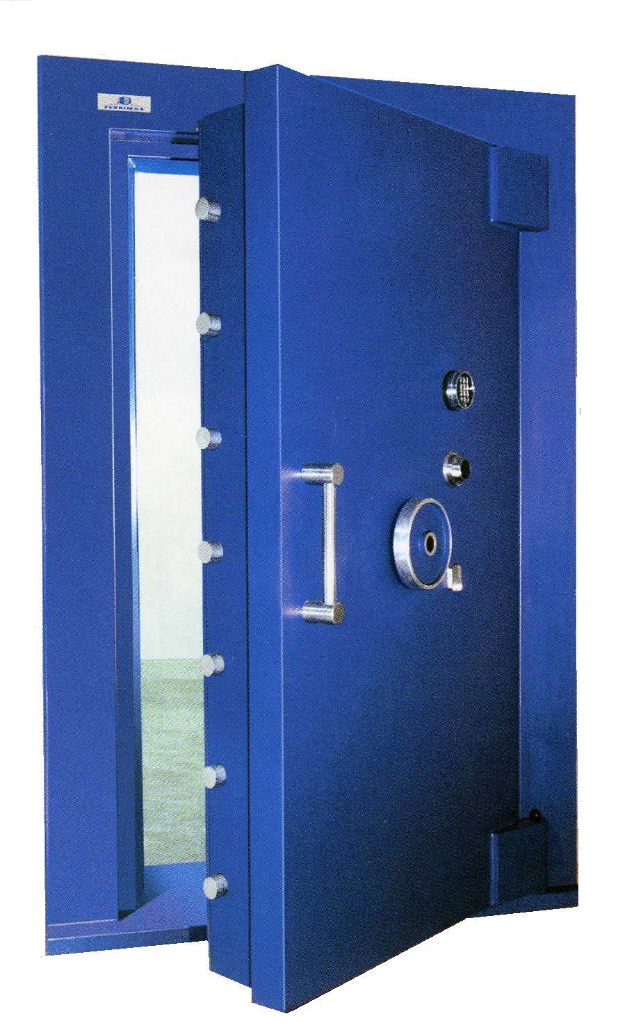 Porte chambre forte gendarmerie avec des id es int ressantes pour la conception for Porte pour chambre forte
