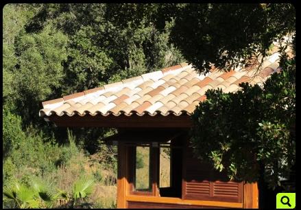 Chalet en bois à demi-niveaux / 36 m² / en kit / toit multipente