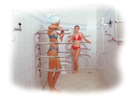 Голые в бане душе бассейне смотреть онлайн