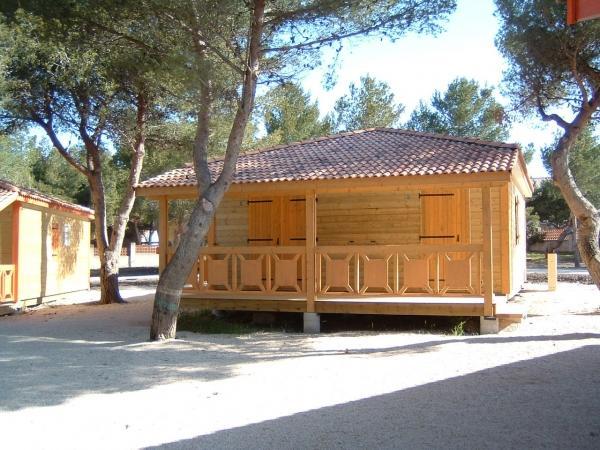 Chalet residentiel sally for Chalet en bois habitable clef en main