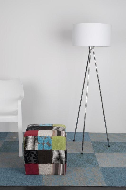 Lampadaire trépied design twist (2 coloris)