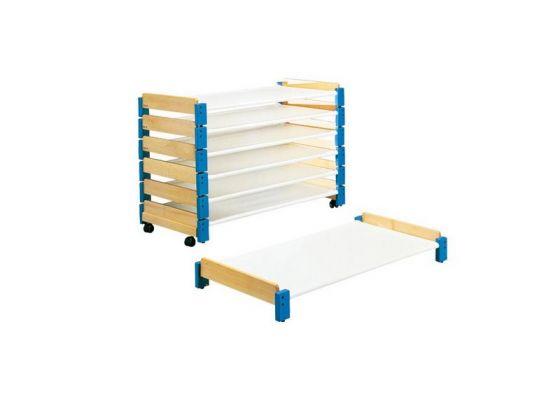 simple lits pour crches couchettes empilables lot de with lit couchette empilable occasion. Black Bedroom Furniture Sets. Home Design Ideas