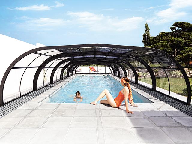 Abris de piscines tous les fournisseurs abri de for Abris de piscine 4x8