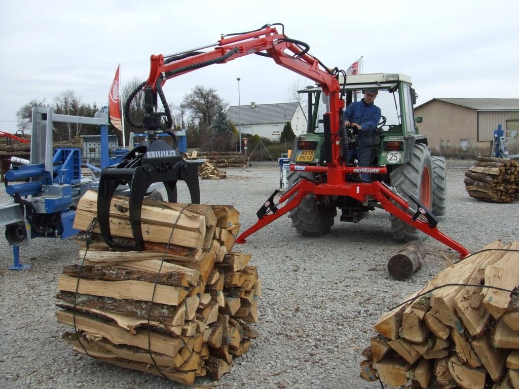 grues forestieres tous les fournisseurs grue de manutention pour bois grue de debardage. Black Bedroom Furniture Sets. Home Design Ideas