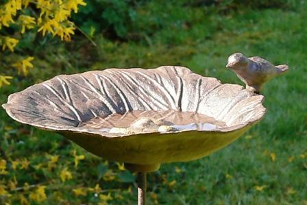 bains d 39 oiseaux tous les fournisseurs bain oiseau decoratif bain oiseau jardin bain. Black Bedroom Furniture Sets. Home Design Ideas