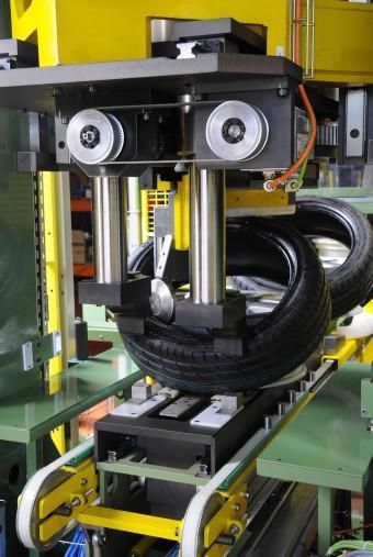 machine d 39 assemblage de pneus. Black Bedroom Furniture Sets. Home Design Ideas