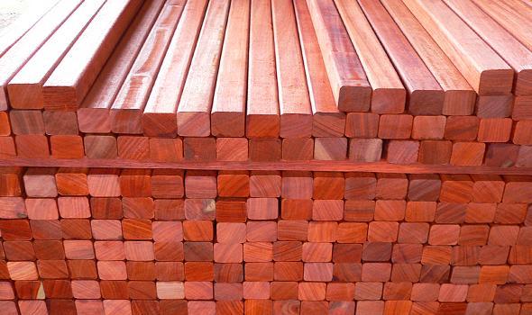 > Constructions en bois > Terrasses > Lambourdes pour terrasses