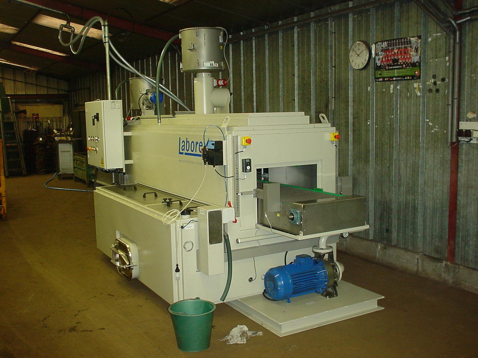 Tunnel de degraissage pour le traitement de surface for Produit traitement petite vrillette