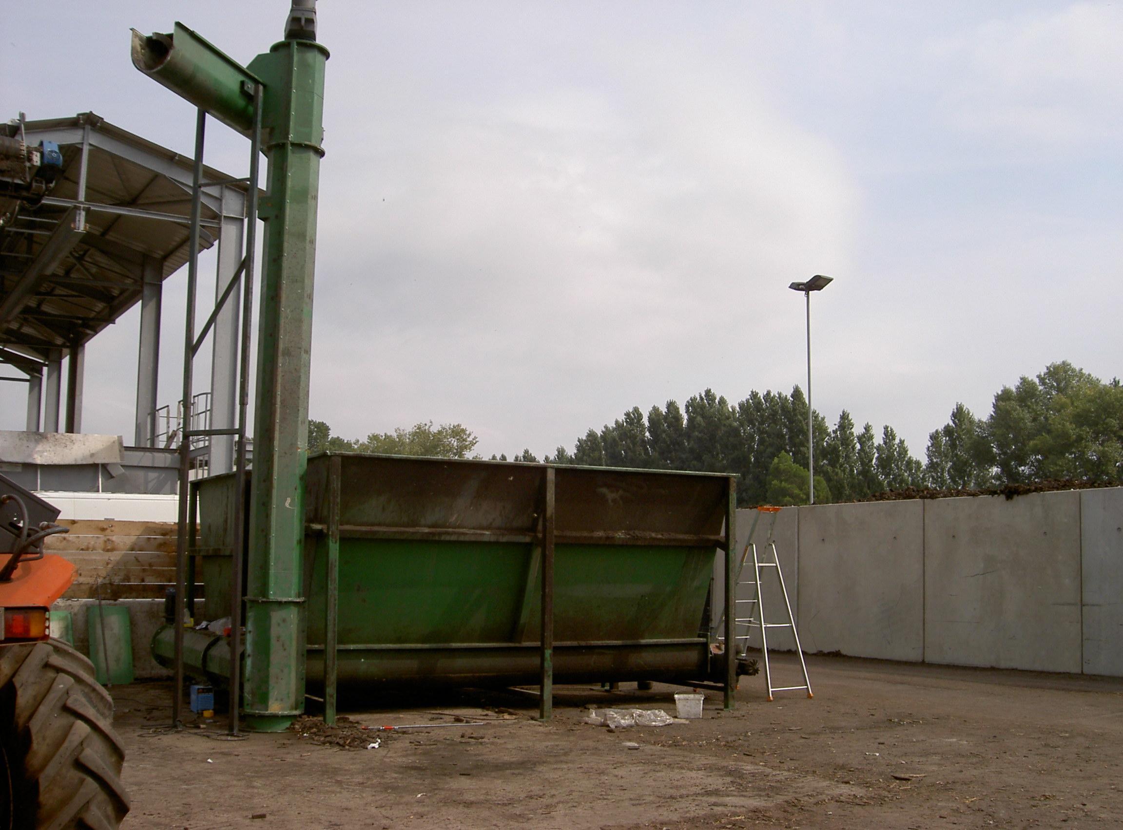 Systeme de compostage de boues et ecorces