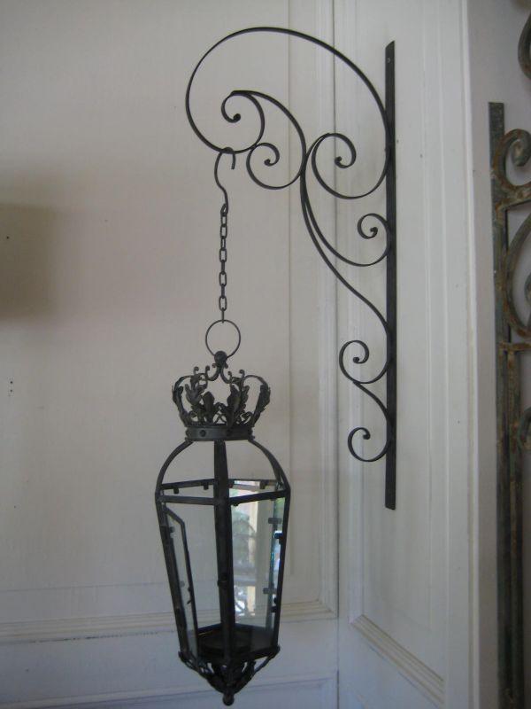 lanterne en fer forg noir. Black Bedroom Furniture Sets. Home Design Ideas