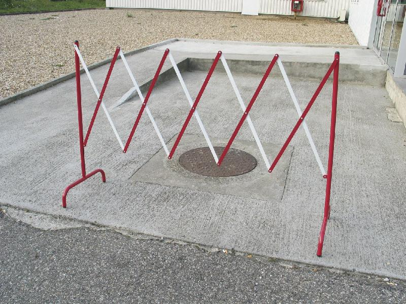 barriere extensible en metal mw tools sh400. Black Bedroom Furniture Sets. Home Design Ideas
