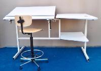 Table mixte dessin et informatique