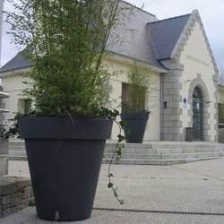 grand pot exterieur jardin bacs de grand volume injects soucoupes assorties conus pour. Black Bedroom Furniture Sets. Home Design Ideas