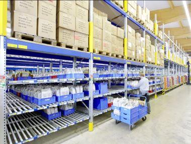 Rayonnage dynamique colis for Entreposage de meuble