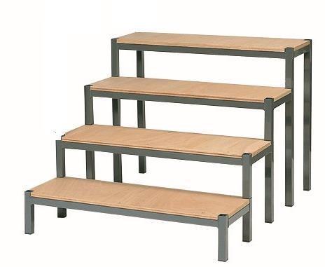 escalier pour podium. Black Bedroom Furniture Sets. Home Design Ideas