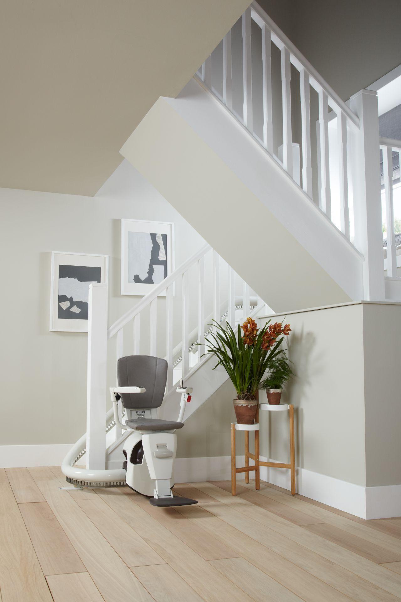 Fauteuil monte escalier tournant flow